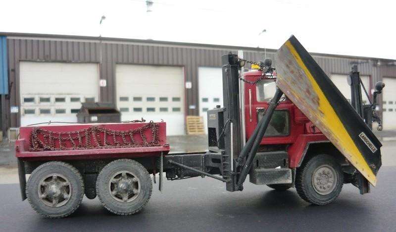 Mack RM 6X6 avec équipement a neige. - Page 7 P1140519
