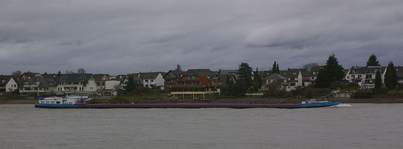 Was alles so auf dem Rhein schwimmt Imgp0916