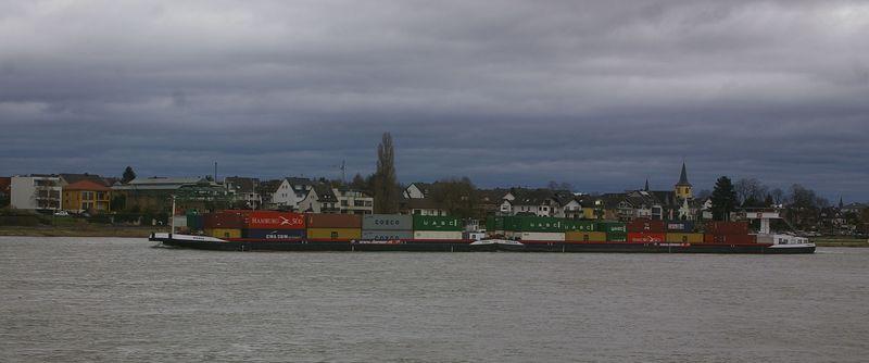 Was alles so auf dem Rhein schwimmt Imgp0921