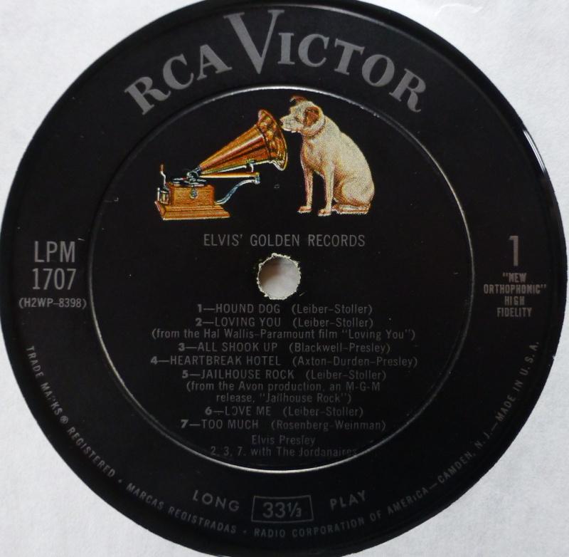 ELVIS' GOLD RECORDS  P1070038