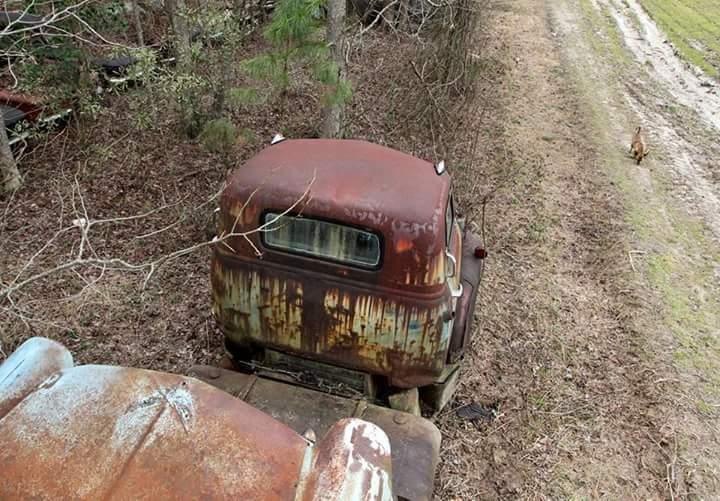 Transporteur autos Chevy en épave 310