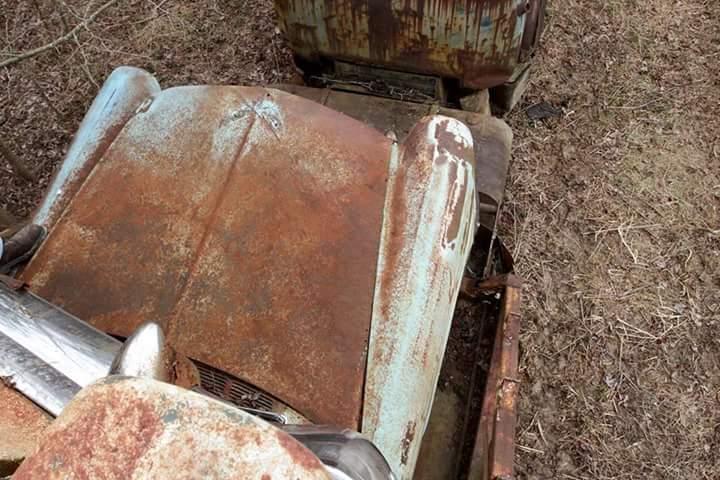 Transporteur autos Chevy en épave 410