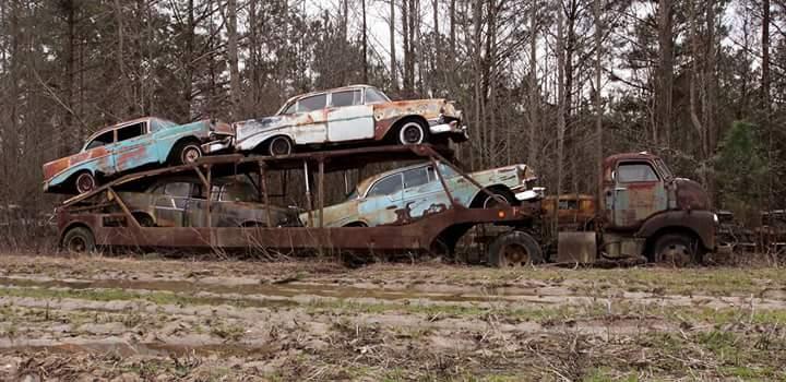 Transporteur autos Chevy en épave 510