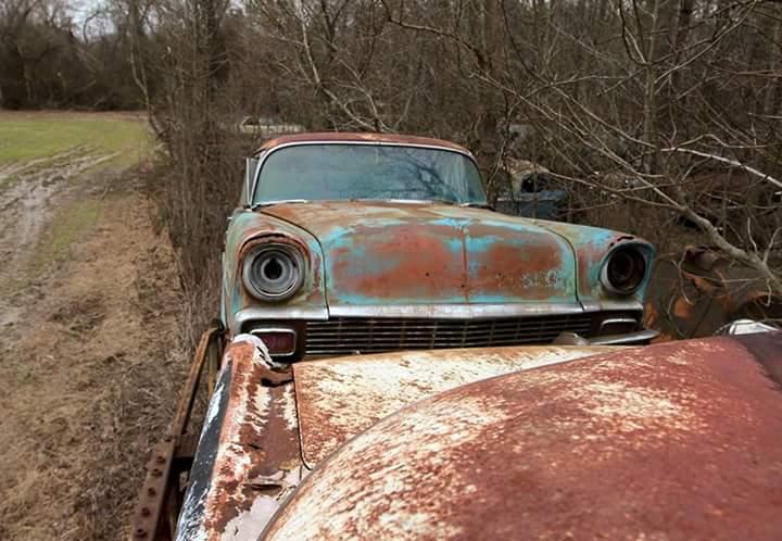 Transporteur autos Chevy en épave 911