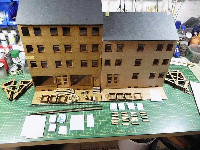 Wilamo - Häuserkulissen 1/45 kpl Strassenzeile - Baubericht 0c10