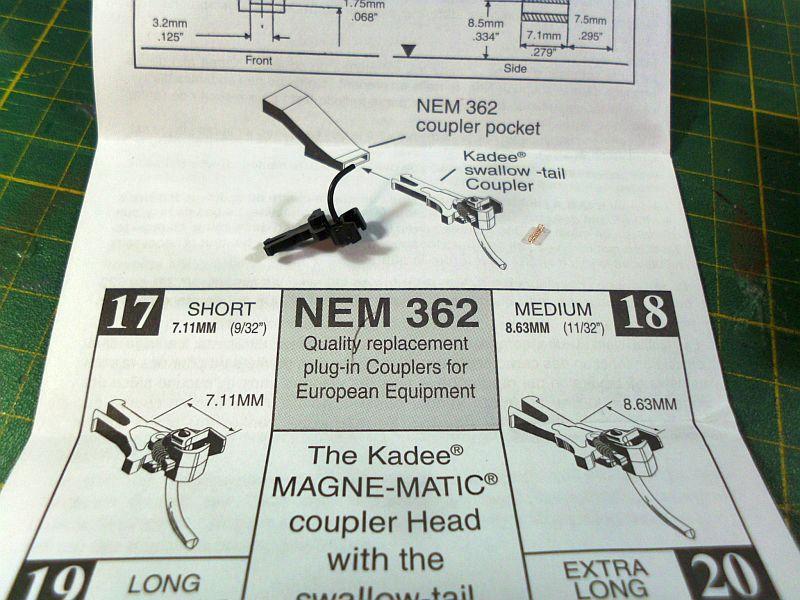 Kadee - Kupplungen - Federwechsel oder Einbau einer Ersatzfeder 1222
