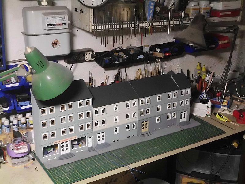 Wilamo - Häuserkulissen 1/45 kpl Strassenzeile - Baubericht - Seite 3 2104