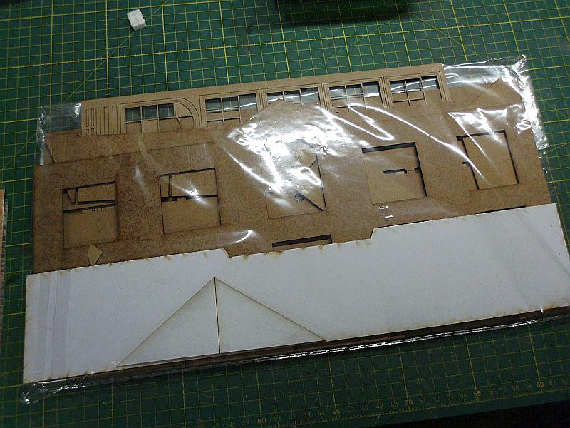 FPM - Models - Fabrikhallenkulisse - Lasercut-Bausatz in 1/45 Dsci0745
