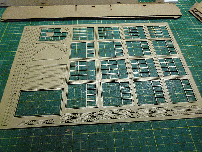 FPM - Models - Fabrikhallenkulisse - Lasercut-Bausatz in 1/45 Dsci0750