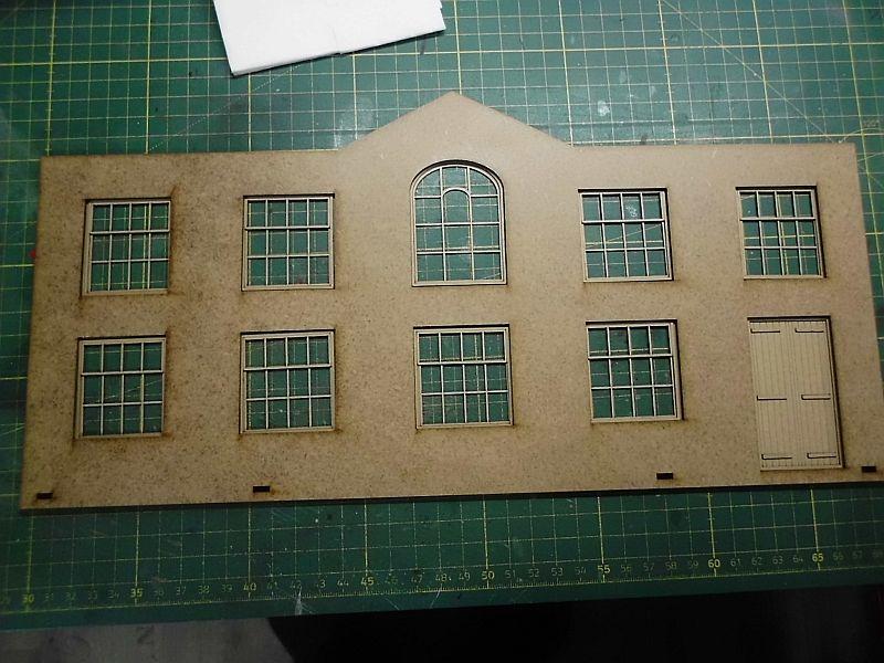 FPM - Models - Fabrikhallenkulisse - Lasercut-Bausatz in 1/45 Dsci0780