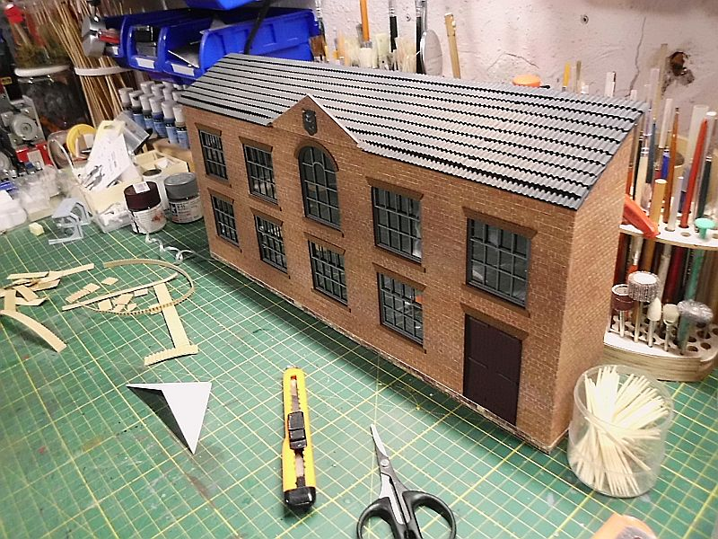 FPM - Models - Fabrikhallenkulisse - Lasercut-Bausatz in 1/45 - Seite 2 Dsci0797