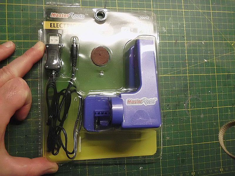 Trumpeter / Mastertools 09952 - Electric Cutter (Kappsäge) Dsci0891