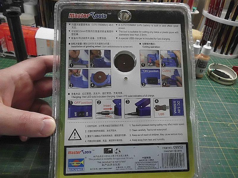 Trumpeter / Mastertools 09952 - Electric Cutter (Kappsäge) Dsci0892