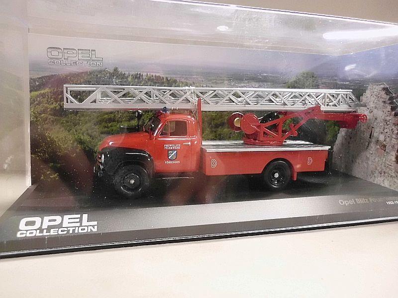 Feuerwehr Modelle der Firmen Schuco und Minichamps Dsci1063