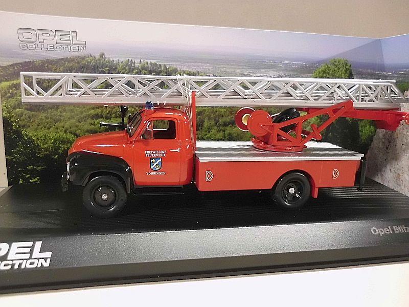Feuerwehr Modelle der Firmen Schuco und Minichamps Dsci1064