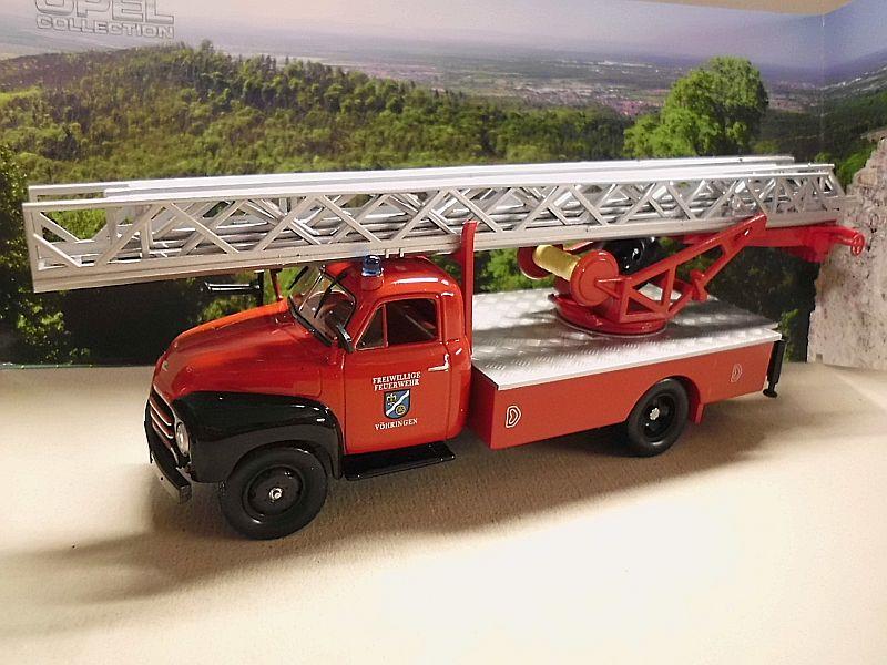 Feuerwehr Modelle der Firmen Schuco und Minichamps Dsci1065