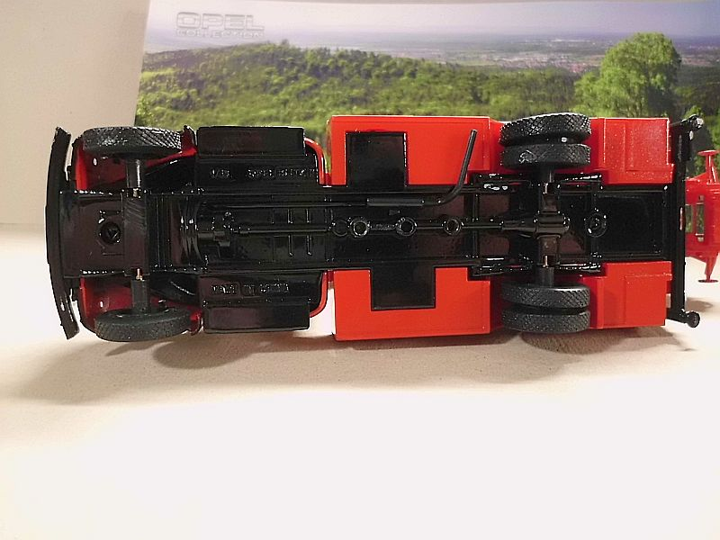 Feuerwehr Modelle der Firmen Schuco und Minichamps Dsci1072