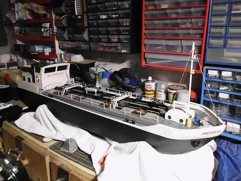 TMS Frederike - Restaurierung eines RC-Binnen-Tankschiffes  - Seite 3 F110