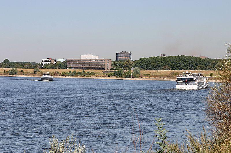 Kleiner Rheinbummel in Duisburg-Ruhrort und Umgebung - Sammelbeitrag - Seite 4 Img_7548