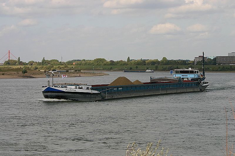 Kleiner Rheinbummel in Duisburg-Ruhrort und Umgebung - Sammelbeitrag - Seite 7 Img_8060