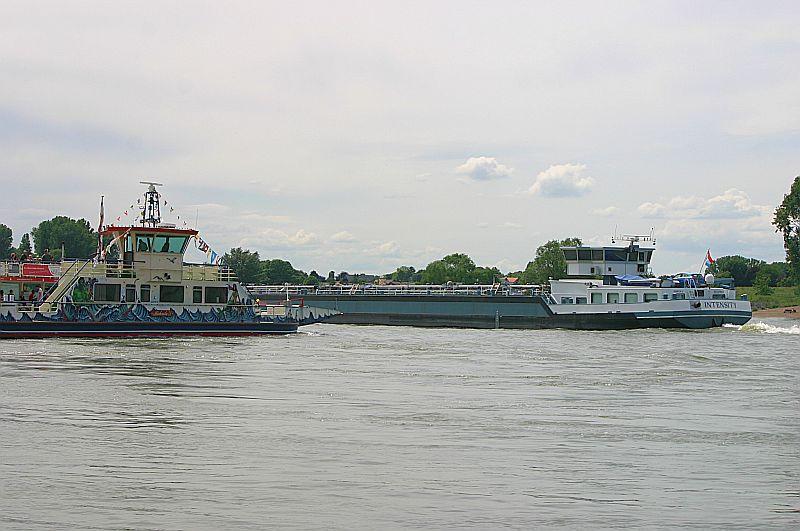 Kleiner Rheinbummel am 09.06.19 in Düsseldorf - Kaiserswerth Img_9271