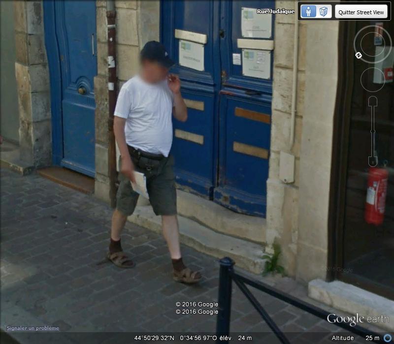 STREET VIEW : les gens en chaussettes noires ! - Page 21 A41