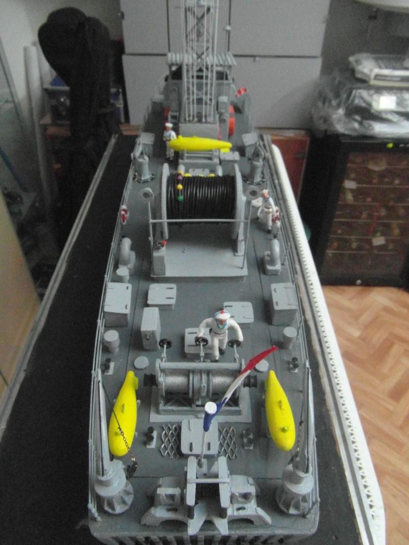 DRAGUEUR DE MINES LE DAHLIA M786 a l' échelle 1/35 sur plans  Sam_9450