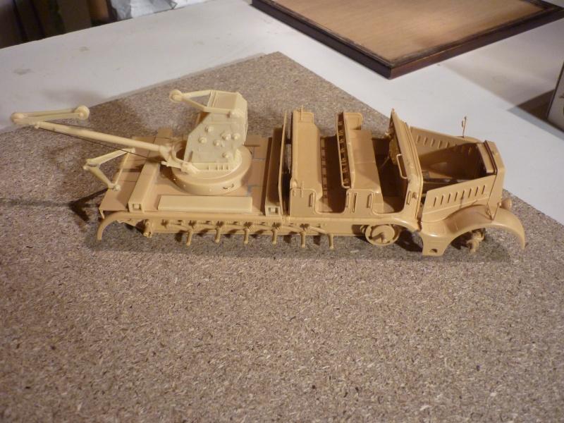 Changement de chenille front de l'est - Sd.Kfz.9 FAMO Tamiya 1/35 + TIGRE I Ausf.E DRAGON 1/35 + Volkswagen CMK 1/35  P1050516