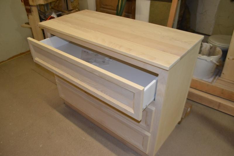 une table et une commode - Page 2 Dsc_0056