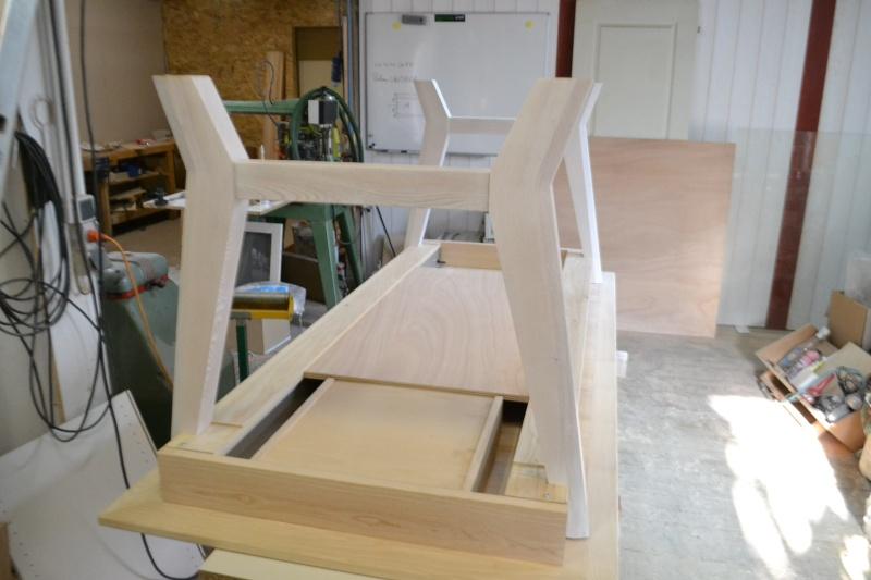 une table et une commode - Page 3 Dsc_0064