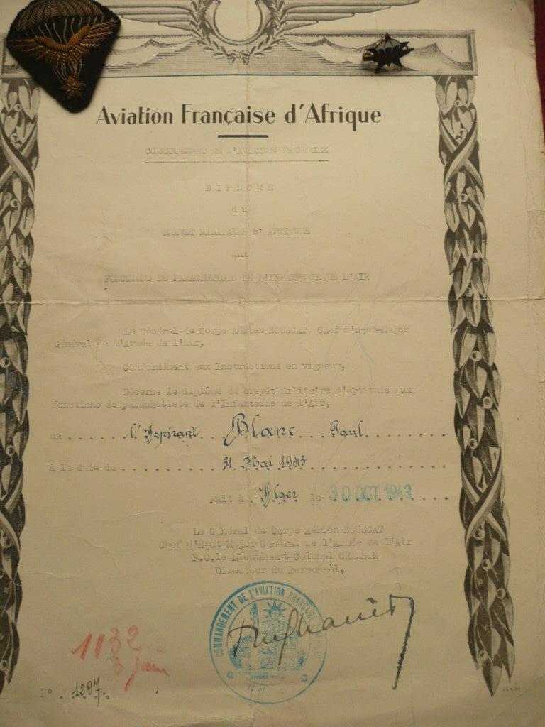 cma collection de brevet para 1943/1946 (papiers et insignes) P1030428