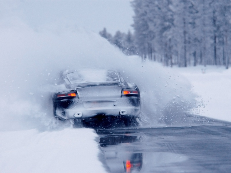 Porsche en hiver - Page 5 2006-p10