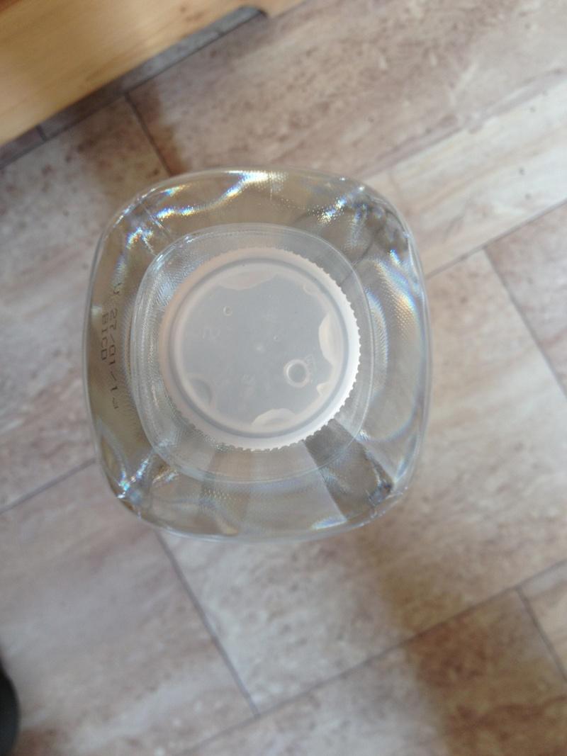 bidon ou jerrican d'eau pliable Img_2510