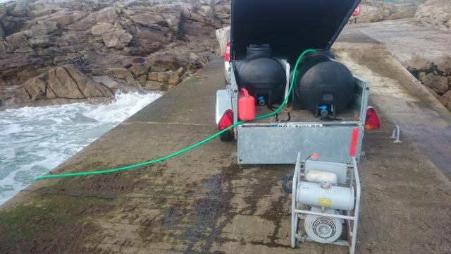 Remorque équipée pour prélever et transporter de l'eau ou des poissons. Dsc_0017