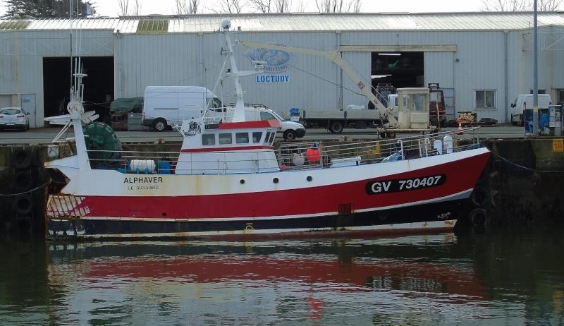 [VIE DES PORTS] Quelques bateaux de pêche (sur nos côtes Françaises) - Page 21 Loc_110