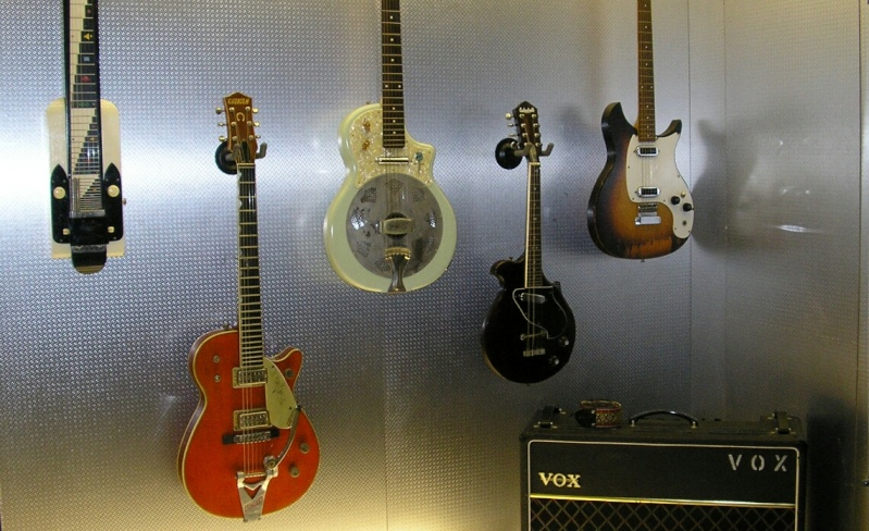 Photos de la collection de guitares - Page 2 2015-110