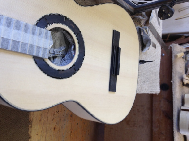 construction d une guitare blanca - Page 8 Img_3117