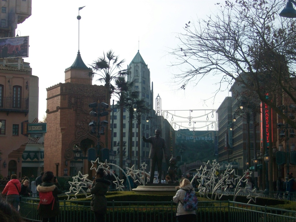Connaissez vous bien Disneyland Paris? - Page 15 100_2410
