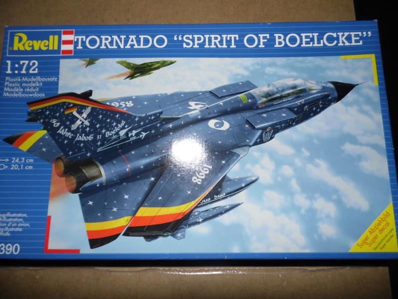 diorama 1/72 ( expo tornado allemand, décos spéciales) Sam_0919