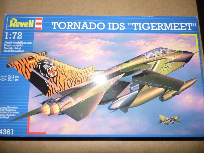 diorama 1/72 ( expo tornado allemand, décos spéciales) Sam_0922