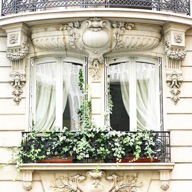 Des fenêtres d'hier et d'aujourd'hui. - Page 37 Fen_r10