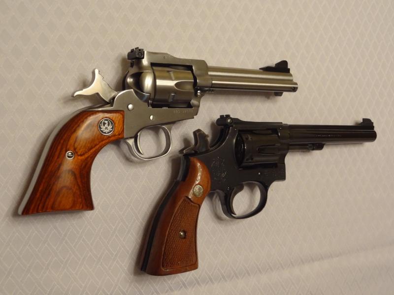 """Side by Side: S&W """"Model 17"""" vs Ruger """"New Model Single Six"""" 22lr_112"""