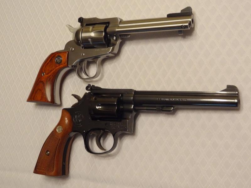 """Side by Side: S&W """"Model 17"""" vs Ruger """"New Model Single Six"""" 22lr_410"""