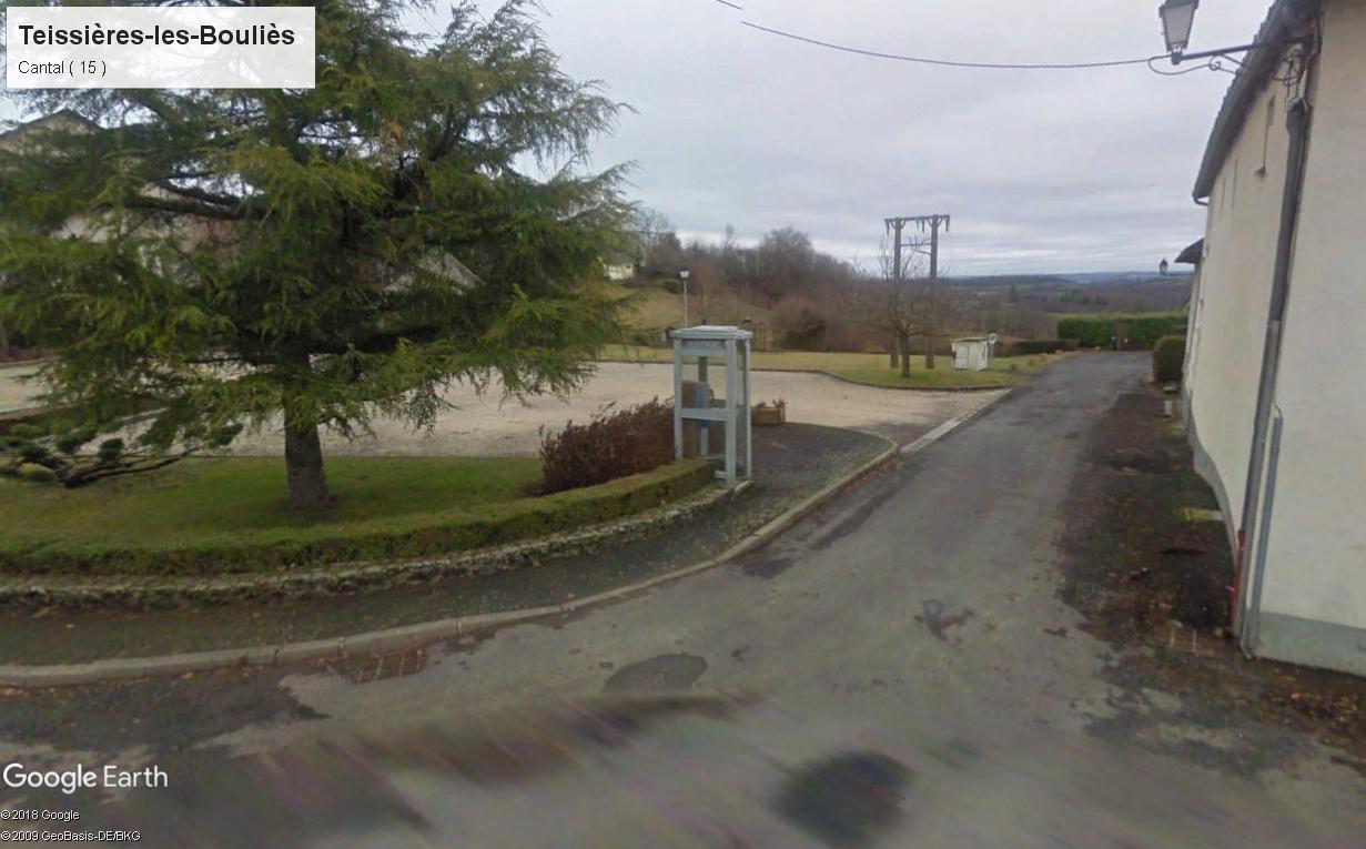 STREET VIEW : Les cabines téléphoniques - Page 2 Cantal10