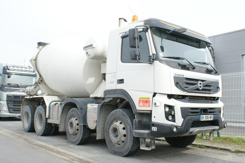 Pompes a beton + Camions malaxeur (Camions Toupie) - Page 4 Dsc09712