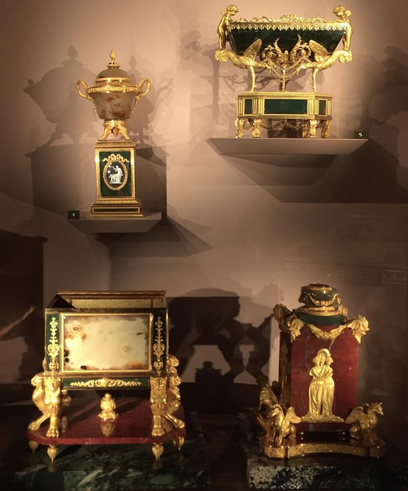 La collection de gemmes de Marie-Antoinette - Page 2 Img_8010
