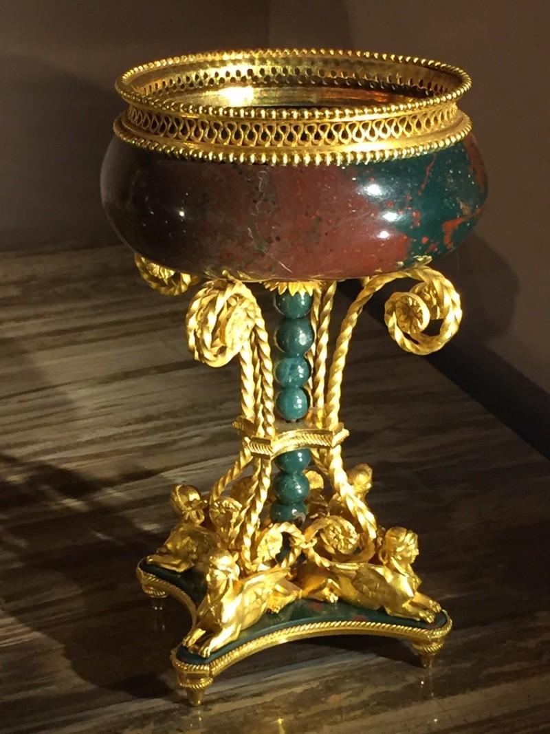 La collection de gemmes de Marie-Antoinette - Page 2 Img_8013