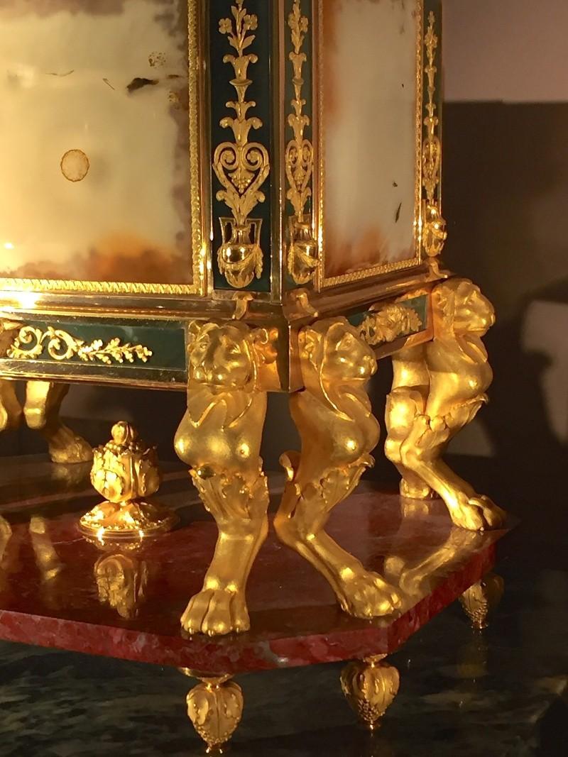 La collection de gemmes de Marie-Antoinette - Page 2 Img_8051