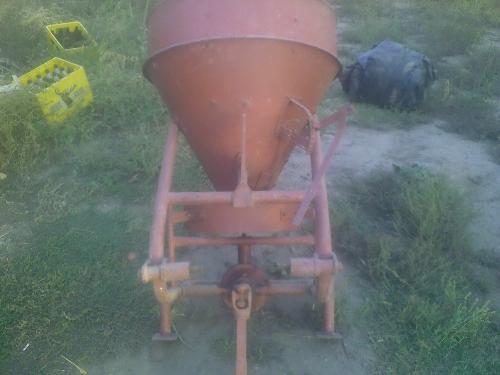 Rasipači mineralnog gnojiva 111