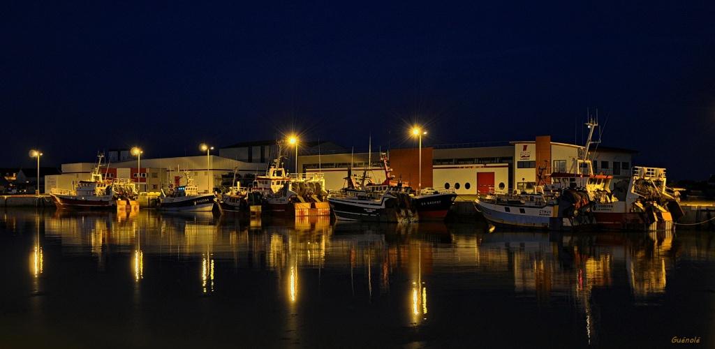C'est beau un port la nuit. C_est_11